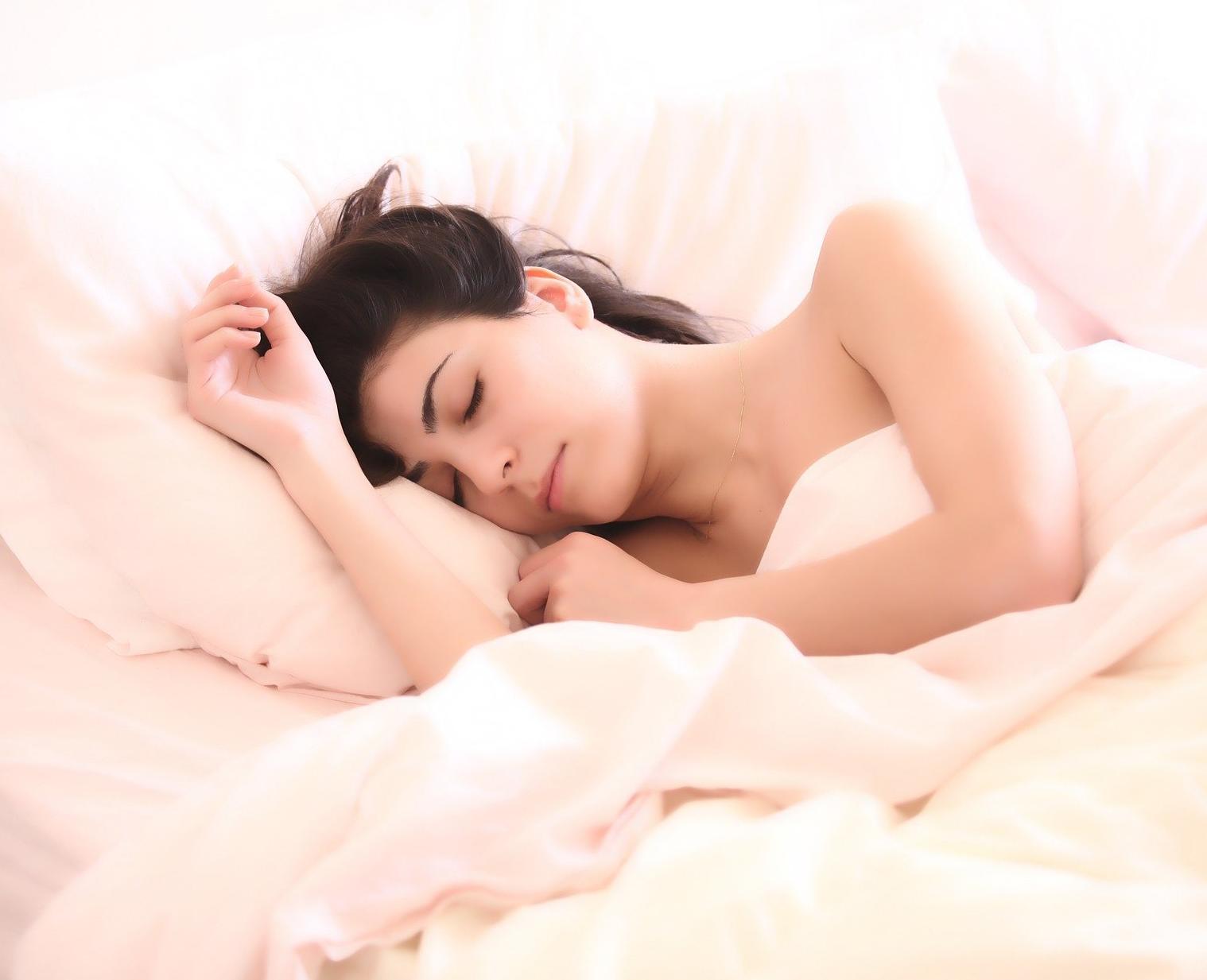 dlaczego_budzimy_się_w_nocy_admed